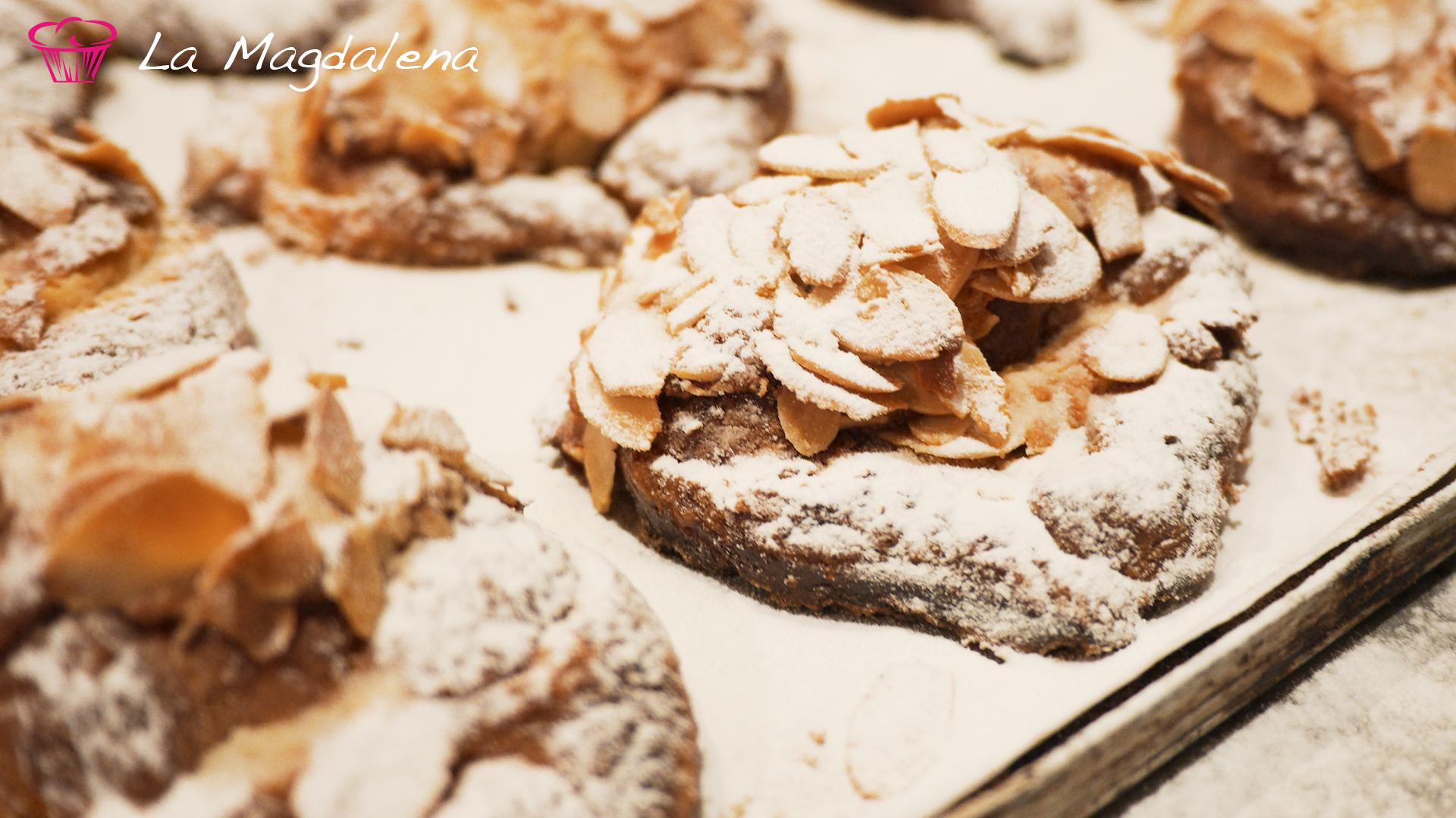 Mini croissant de crema de almendra