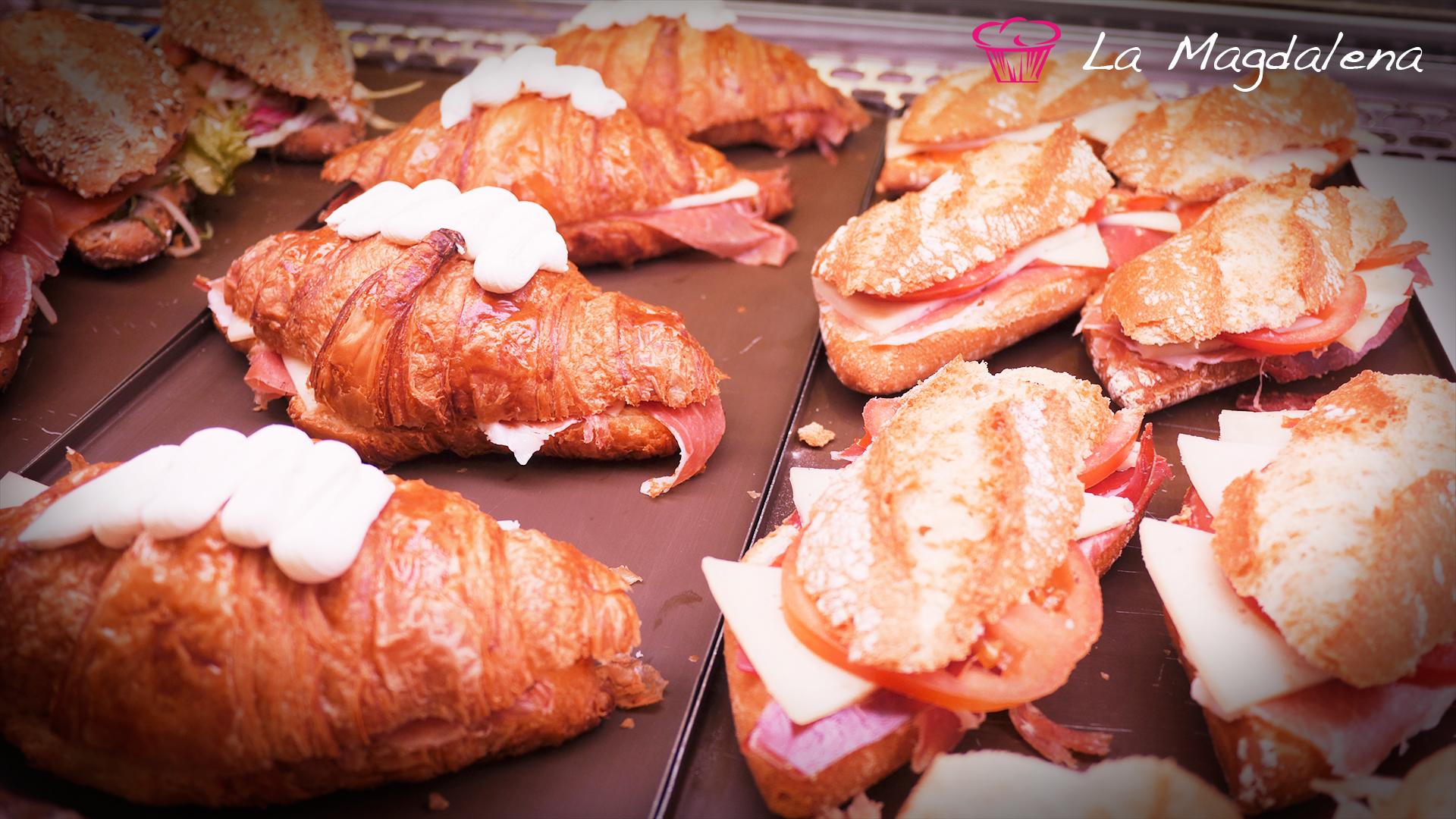 Bocadillos y croissants